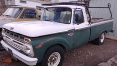 1966 Ford F250 - Green